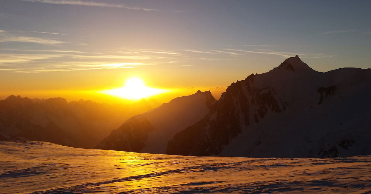 Mountain Experts - Programs - Mountaineering - Mont-Blanc